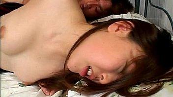 Наставник по окончании урока трахнул худенькую абитуриентку китаяночку и кончил ей в писю