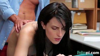 Молодые тёлки занимаются лесбийским поревом на массажной кушетке