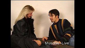 Любительское секса семейной пары с трахом жопастой муллатки твердым фаллосом