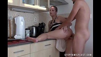 Секс с юной девушкой в позе рачком 18 лет