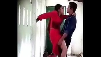 Юные чирлидерши устраивают весёлые лесбийские забавы