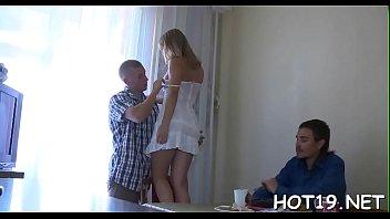 Юноша привез молодую девчонку на покинутый участок и вжарил в нижнее белье